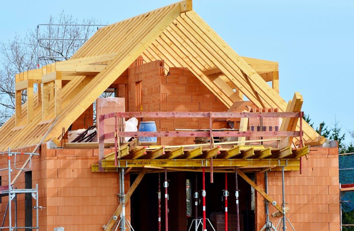 So sichern Sie sich niedrige Baugeldzinsen: über das Forward-Darlehen