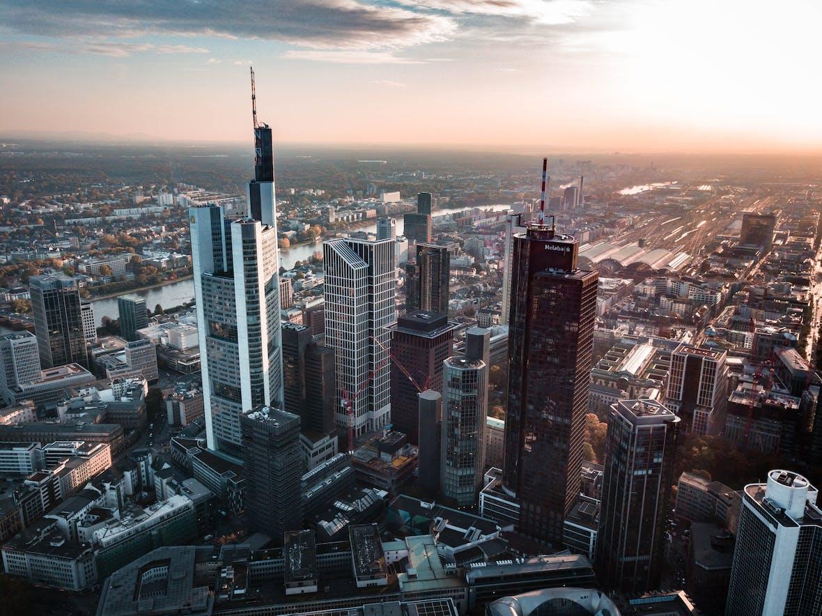"""""""Investoren und Fondsindustrie diskutieren gerne in Frankfurt über Themengebiete wie Family Offices, Fondsboutiquen und Real Assets"""""""