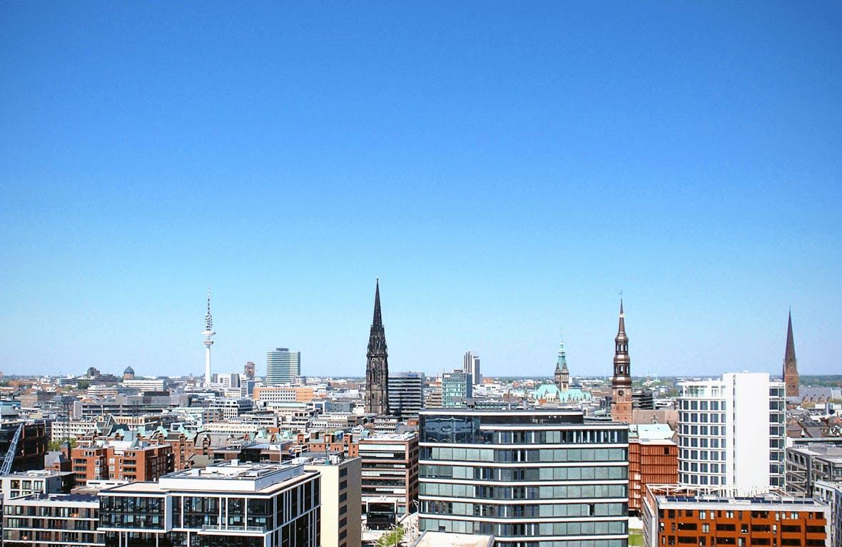 Businesslunch und Marktausblick mit Schmitz & Partner in der Hanse Lounge