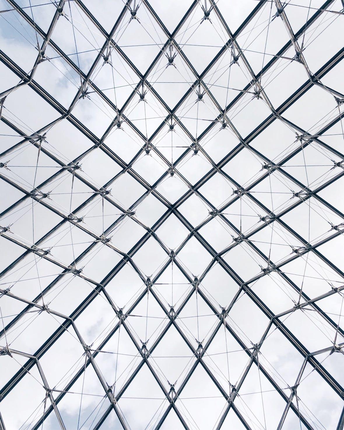 Dezentralisierung durch Blockchain: Wo liegt der Unterschied zum Internet?