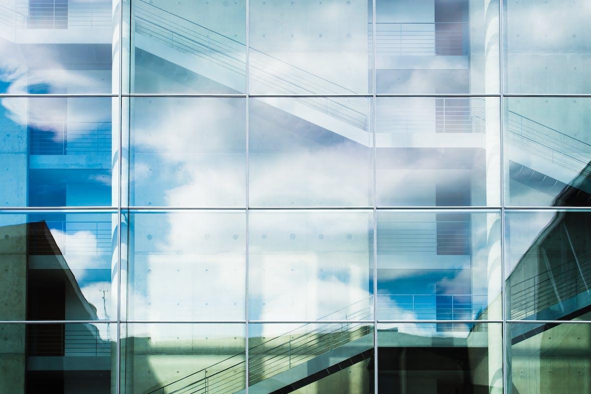 STO vs. IPO: Welche Vorteile bieten Security Token Offerings gegenüber traditionellen Aktienemissionen