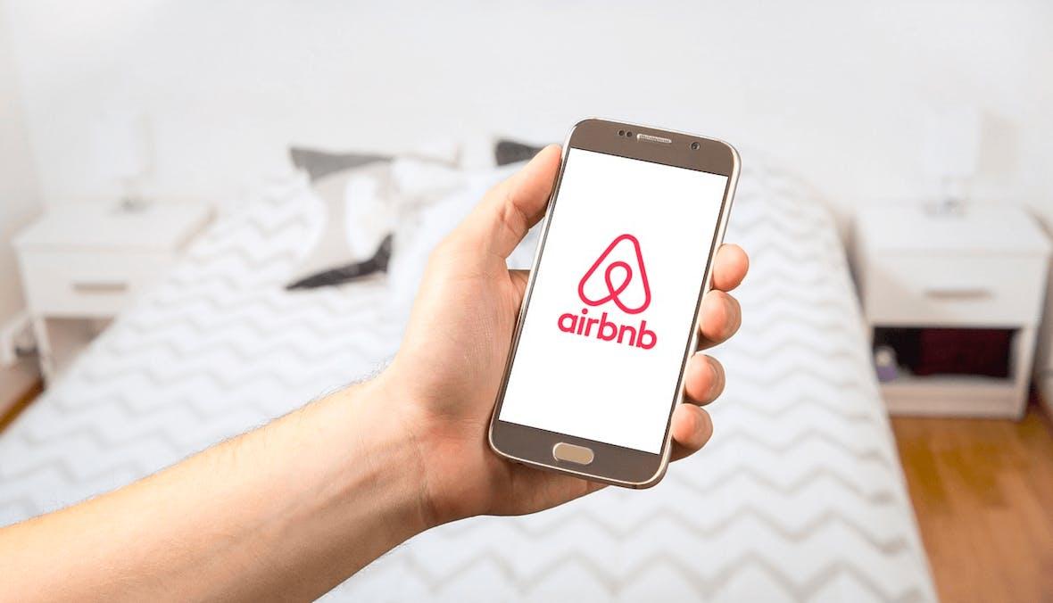 Airbnb Investoren steigen in Pauschalreisen Business ein