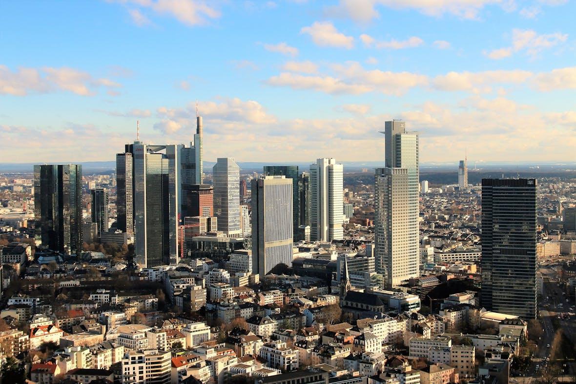 Schroders baut Portfoliomanagement in Frankfurt auf