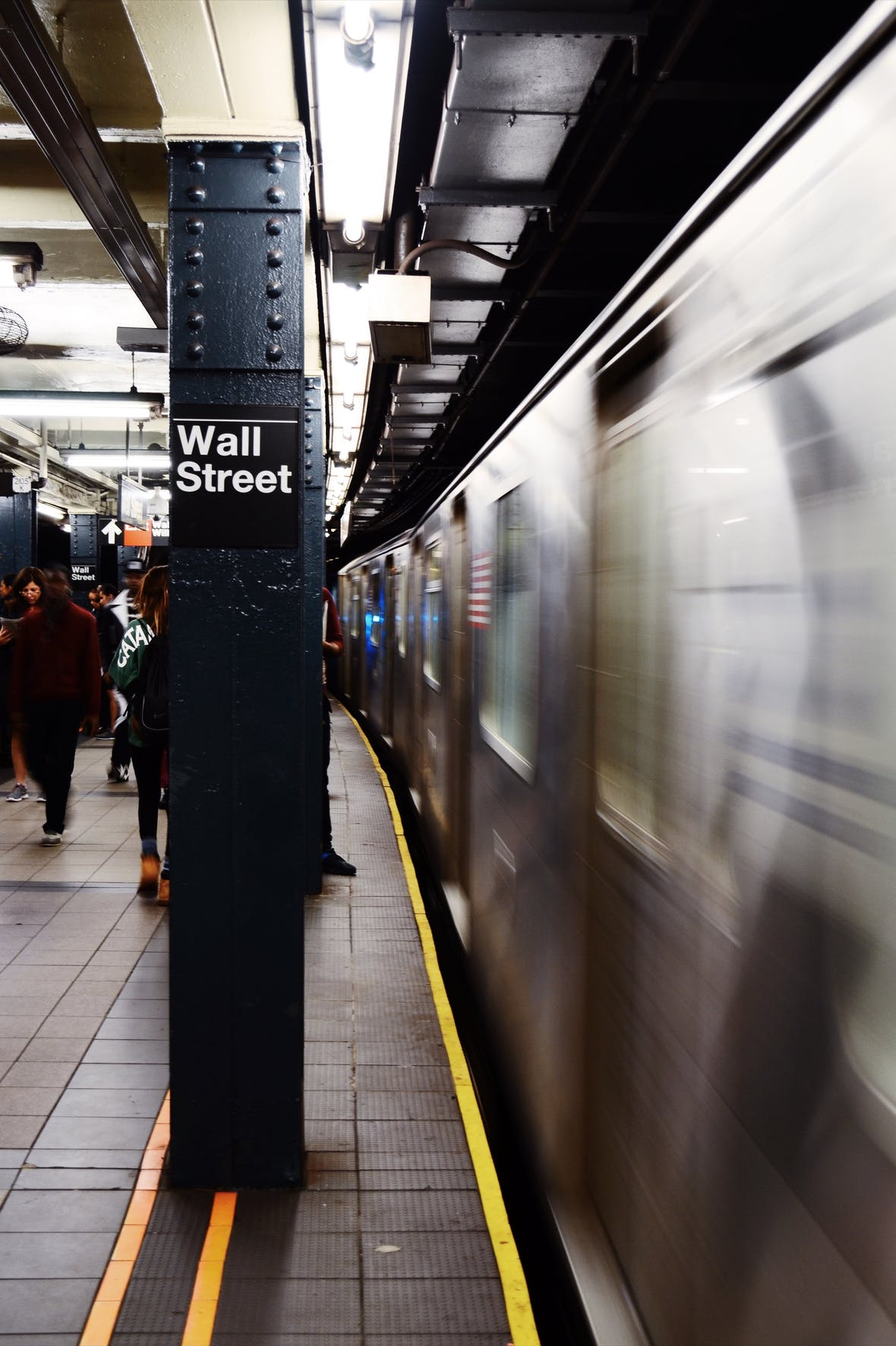 """Jerome Powell und die Fed stehen vor dem Dilemma des """"Dollar Doom Loop""""."""