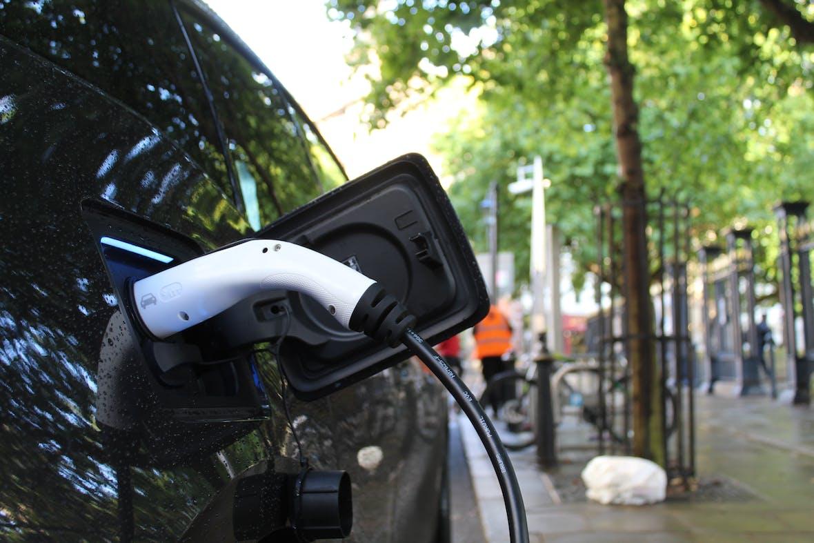 Werden Elektroautos zu großen Verlusten führen – oder riesige Gewinne einfahren?