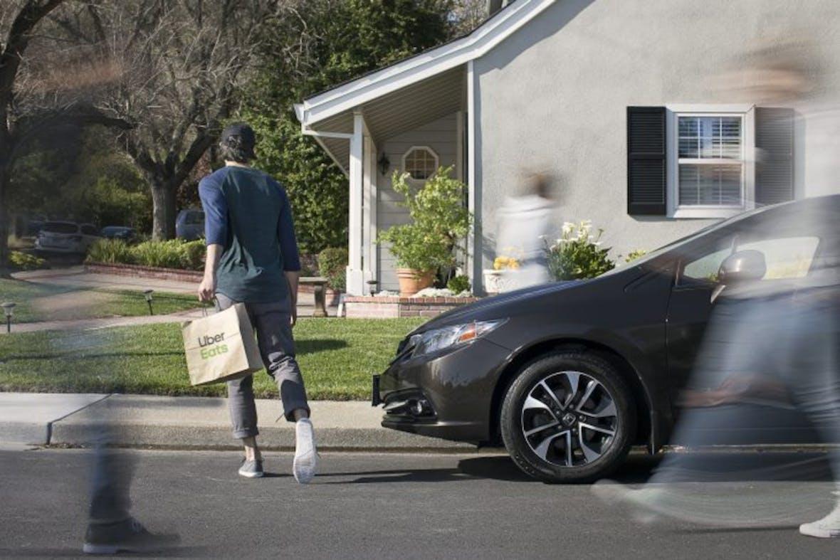 Übernimmt Uber Deliveroo?