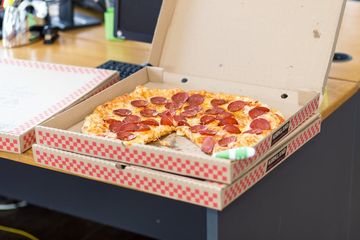 Ein Pizzakarton Strom