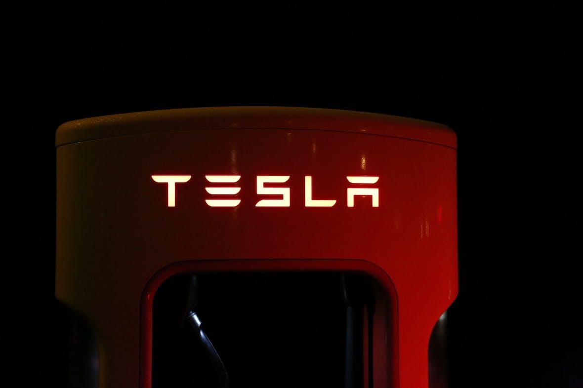 Über 3000 Tesla-Angestellte entlassen