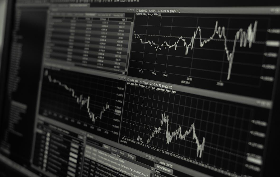 """Technische Analyse DAX 30: Mini-Crash wegen """"Zinspanik"""" aber kein Baisse"""