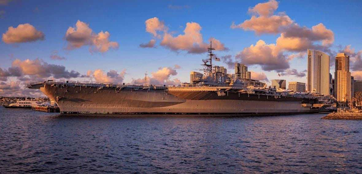 Kriegsschiffe von Huntington Ingalls - Gewinne mit Rüstungsaktien